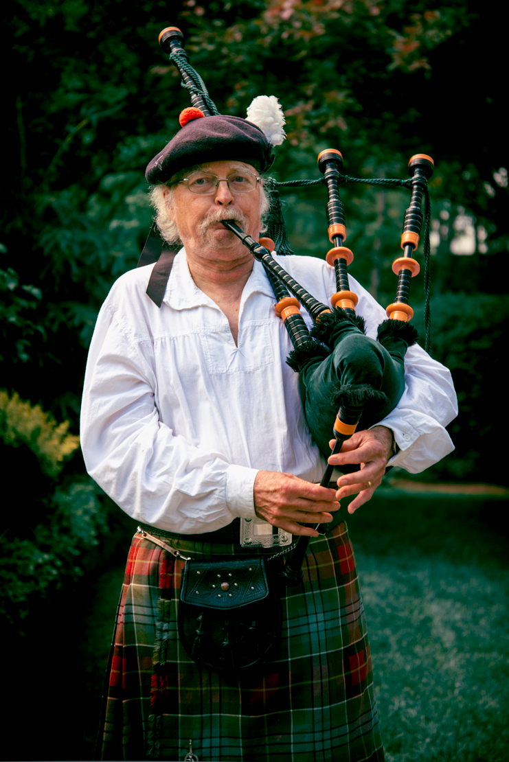 The_Bagpipe_Pipper.jpg