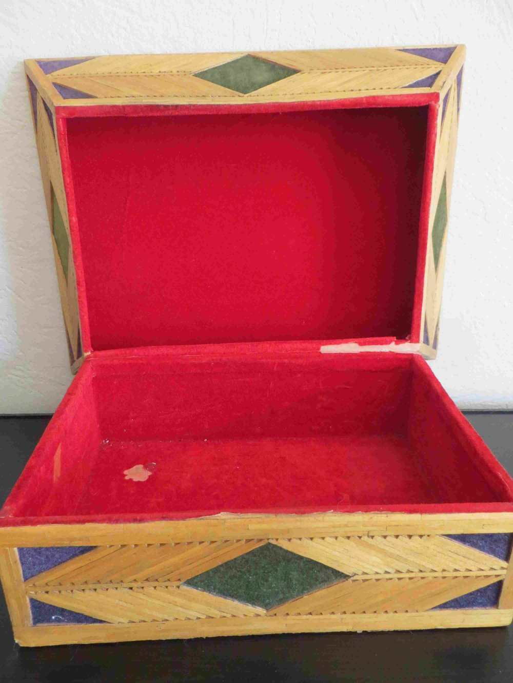 Vintage Inmate Matchstick Jewelry Box-012 - Copy.jpg