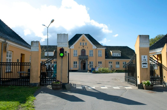 Porten er åben for alle besøgende den 29. august i Sandholmlejren. Arkivfoto: AOB