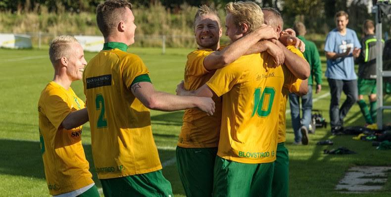 Denne situation er hentet fra fodboldkampen mod Humlebæk BK .  Foto: Phillip Nørgaard