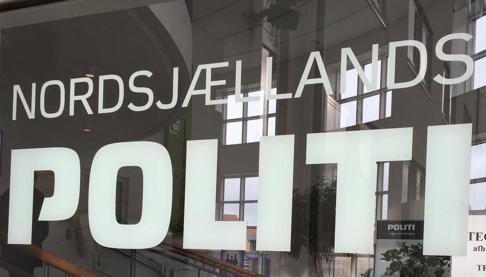 Nordsjællands Politi oplyser, at det var en villa på Lucernevej, som havde fået ubudne gæster. Foto: AOB
