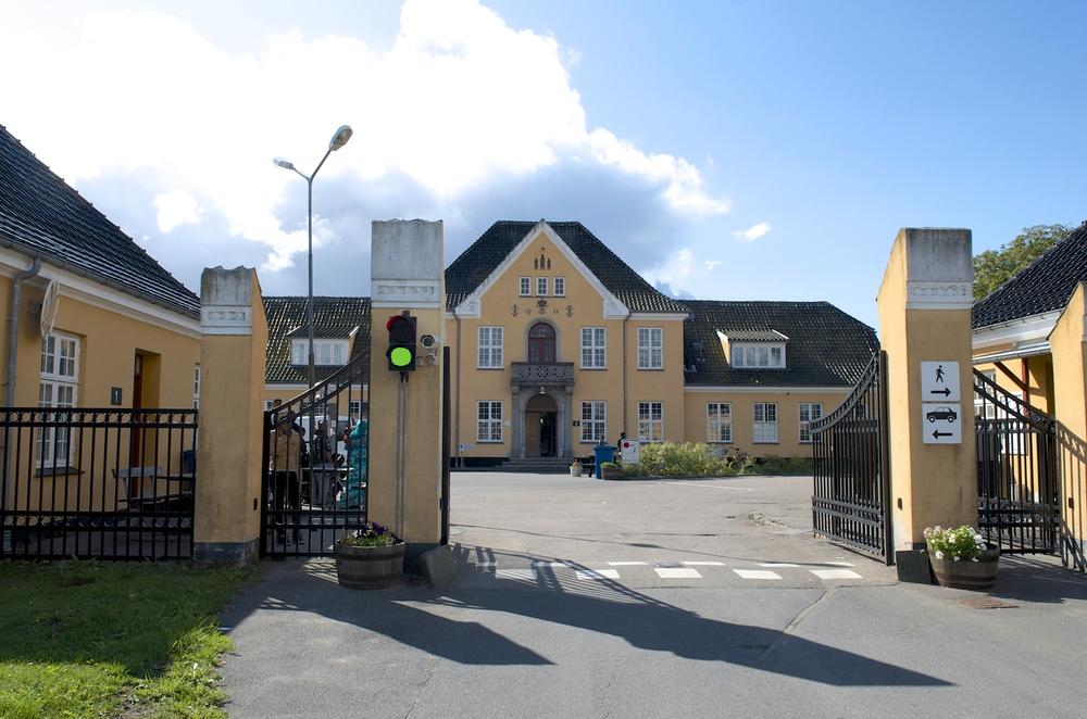 Center Sandholm fylder i dag 30 år - og i den anledning åbnes porten for alle - dog først når det bliver noget varmere i vejret - det bliver den 8. maj . Foto: AOB