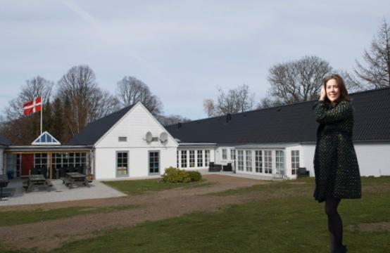 HKH Kronprinsesse Mary indviede KFUM's nye rekreationsboligerved Høvelte Kaserne i april 2014. Arkivfoto: AOB