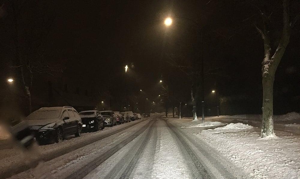 Der var endnu ikke sneryddet på de store veje - her påBlovstrød Allé. Foto: AOB