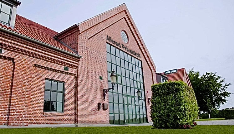 Der er på søndag mulighed for at komme ind og se alle lokaliteterne i Ny Allerødgård og samtidig se   forslag til indretningen af klasseværelserne. Manipuleret foto