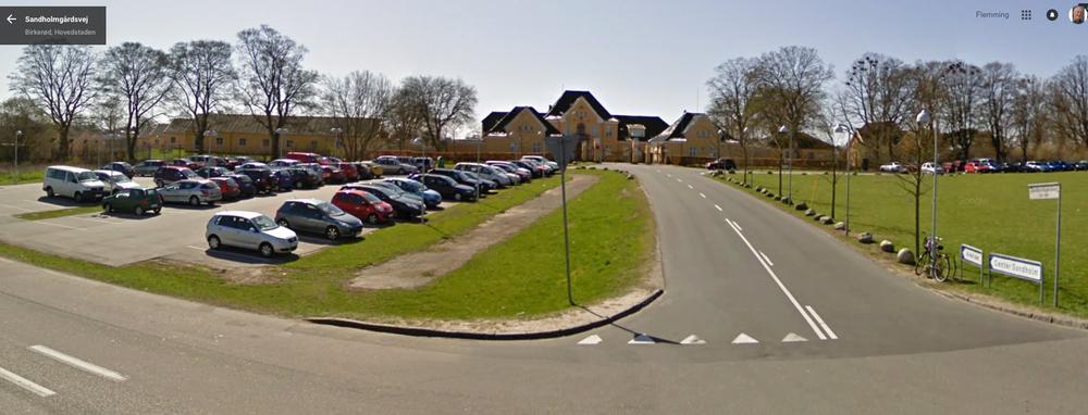 For tiden bor en hård kerne på 33 af dem, der skaber problemer, på en speciel afdeling i Center Sandholm.