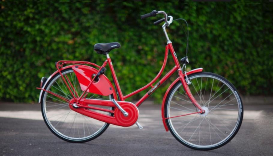 En røde damecykel er et fællestræk for de to tyverier. Arkivfoto