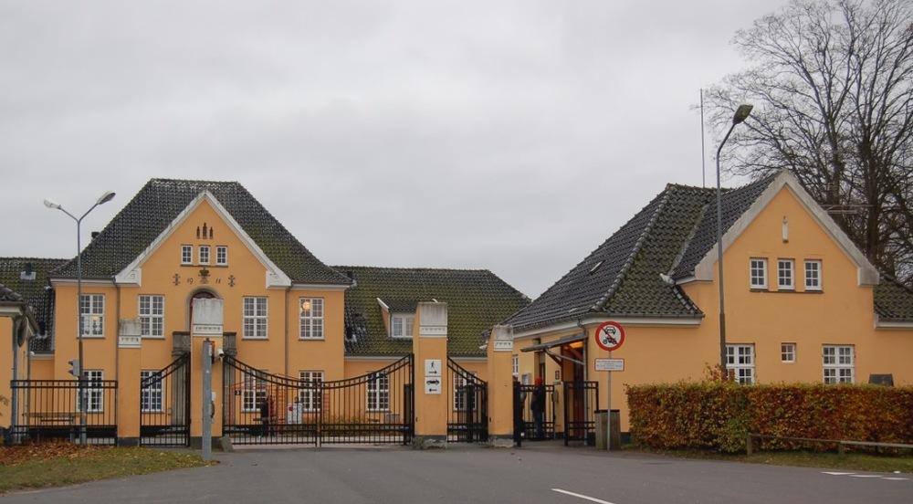 Mandag aften var der igen ballade i Modtagecenter Sandholm, da en 17-årig asylansøger - ifølge Nordsjællands Politi - løb truende rundt med en kniv. Arkivfoto: AOB