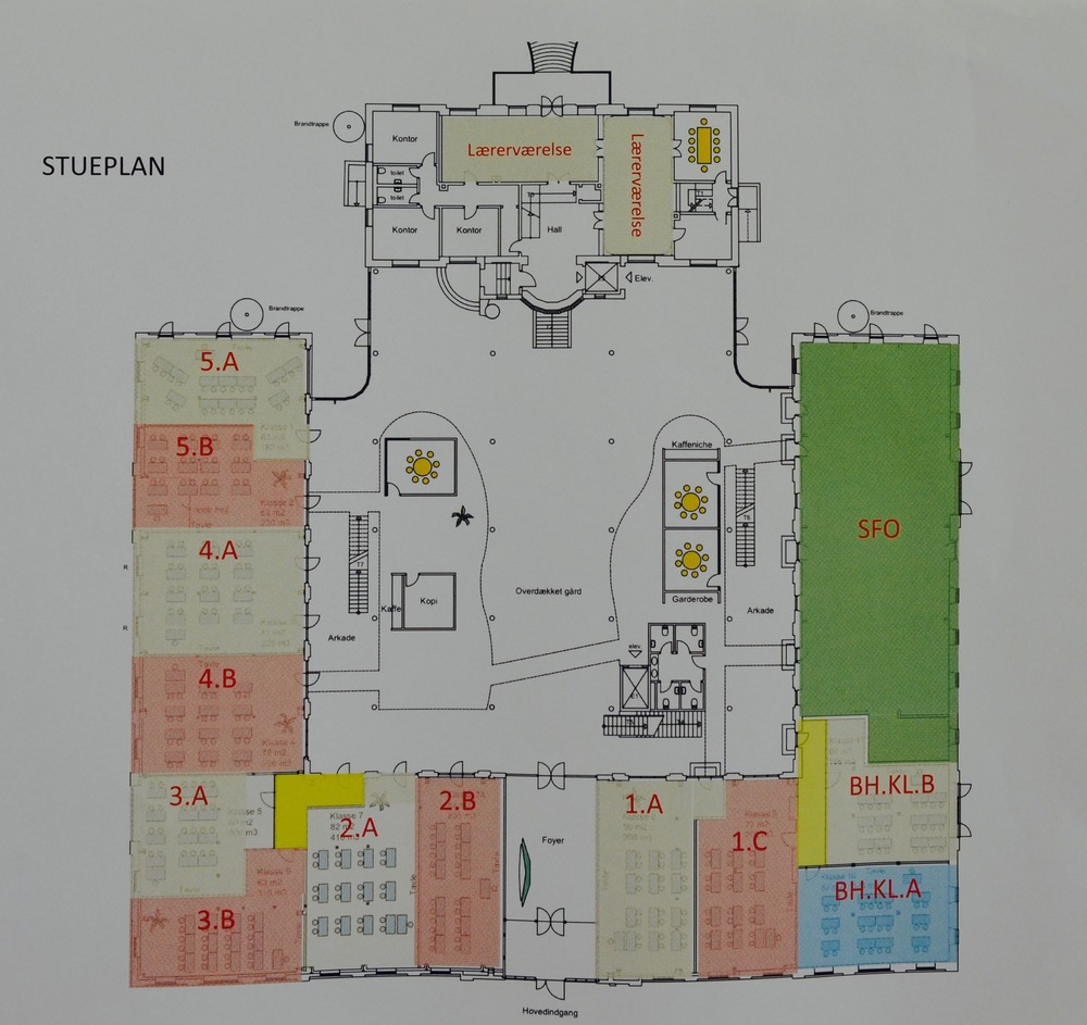 Stueetagen er for SFO, børnehaveklasser og klassetrin fra 1 til 5.