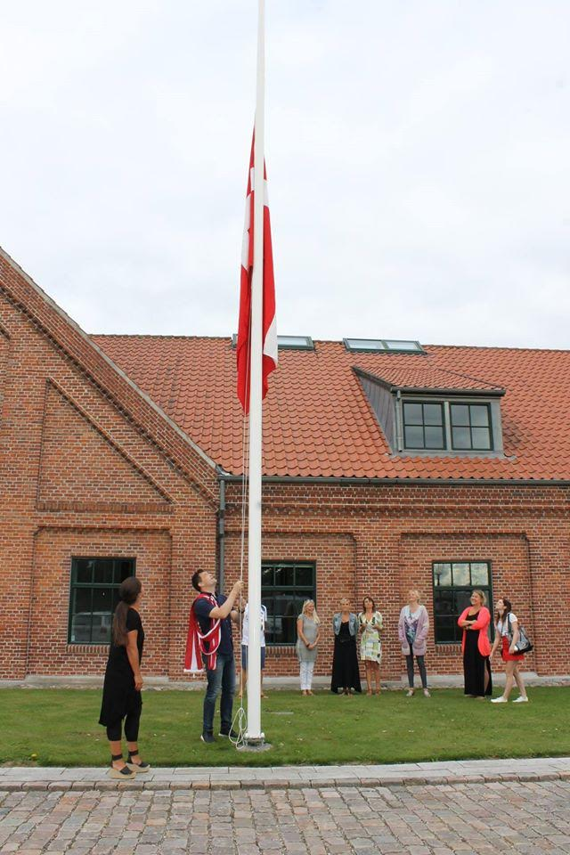 Det var en stor dag, da flaget blev hejst for første gang på Allerød Privatskole
