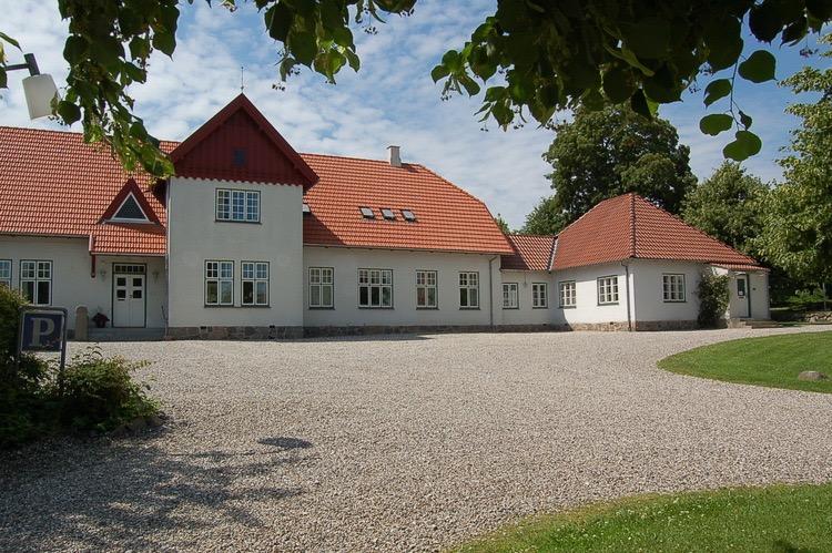Seniorklubben mødes normalt i Blovstrød Sognegård. Foto:AOB
