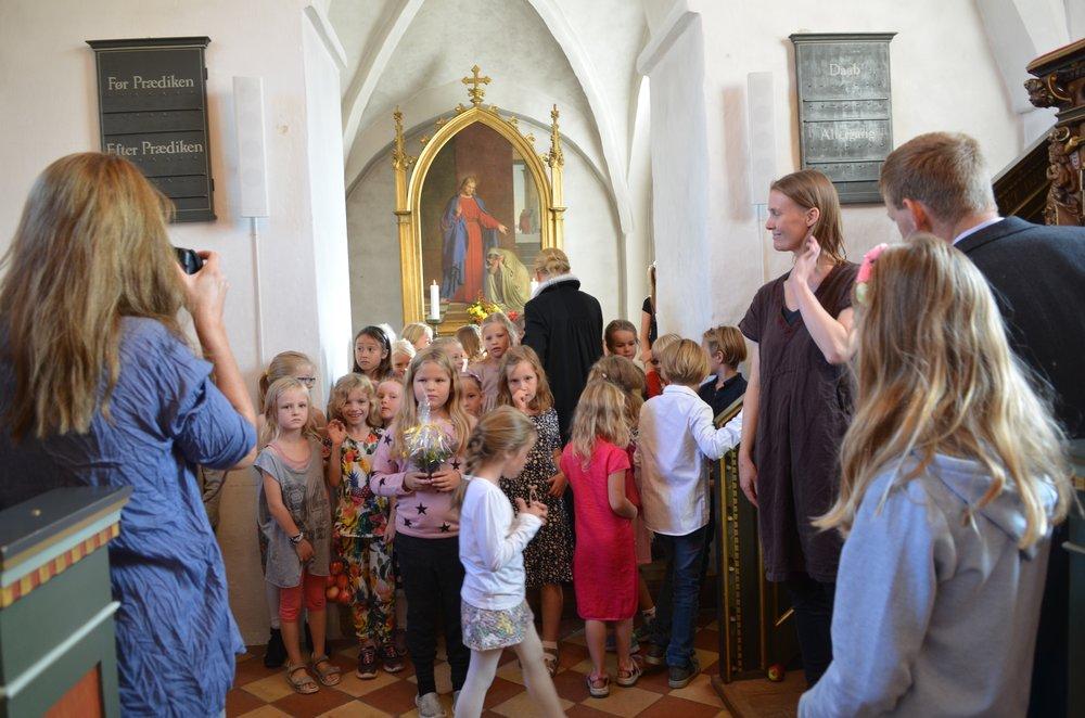 Ved gudstjenesten medvirkede kirkens kor samt det nyetablerede børnekor ved  Rosemaria Rex. Foto: AOB