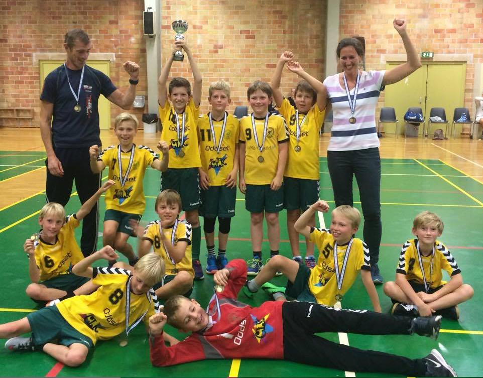 Det var nogle stolte håndbolddrenge fra Blovstrød, som vandt Rudersdal-Cup-pokalen.