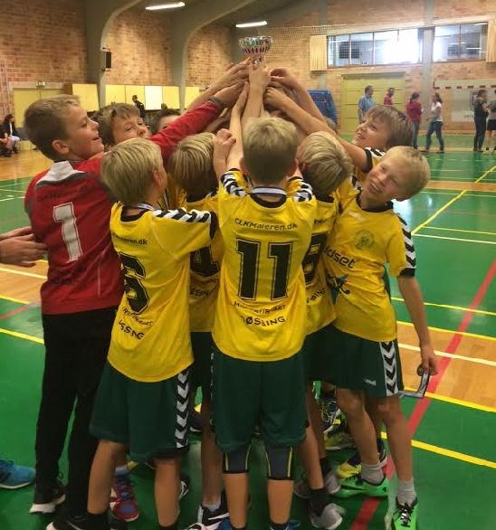 Holdet indbragte i september førstepladsen og en flot pokal i opvarmningsstævnet Rudersdal Cup. Foto:Heidi Thygesen