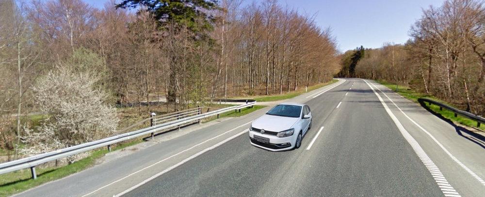 De to formodede indbrudstyve fra Litauen, kørte rundt i en hvid VW polo og blev standset på Nymøllevej. Manipoleret temafoto
