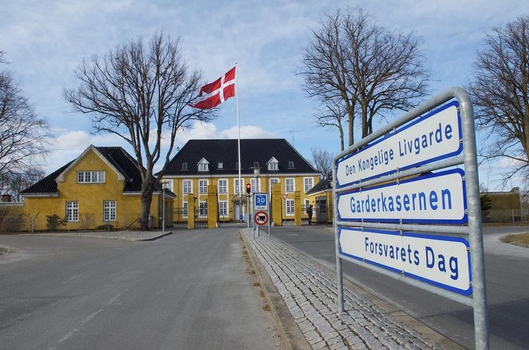 Garderkasernen i Høvelte skal have nye standardgarager sammenbygget med materiel-, bade-og omklædningsfaciliteter for i alt 56 mio. kroner. Foto: AOB