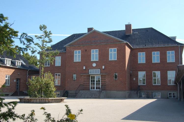 Blovstrød Skole låigen helt i toppen blandt de skoler i Danmark, som klarede sig bedst. LÆS ARTIKEL