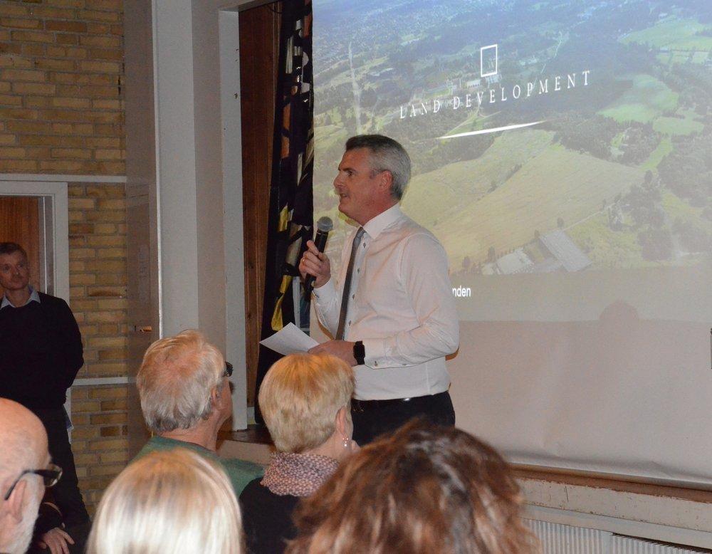 Formanden for Teknik- og Planudvalget, Jesper Hammer, bød velkommen. Foto: AOB