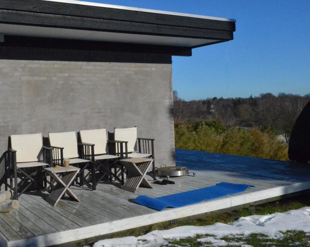 Efterfølgende var der reserveret fire pladser med 23 grader i solen. Foto: AOB
