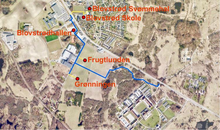 Forslag 1: Hovedforsyningsledningen snor sig gennem det militære øvelsesterræn og holder sig væk fra Kongevejen og føres bl.a. bag om kroen.Tekst:AOB