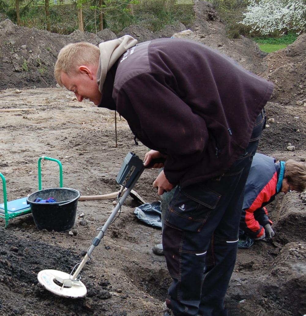 Museumsinspektør Esben Aarsleff fra Museum Nordsjælland holder foredrag om, hvad man kan finde af danefæ i Allerøds muld. I Blovstrød fandt man bl.a. en fin bronzeøkse, som er ca. 3000 år gammel.Arkivfoto: AOB