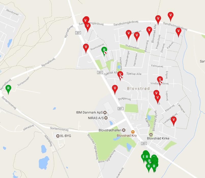 I det 'gamle' Blovstrød er der pt. 17 huse til salg. Drabæk Huse - på den anden side af Kongevejen - har udbudt 24 rækkehuse til salg. Oversigtskort: boliga.dk