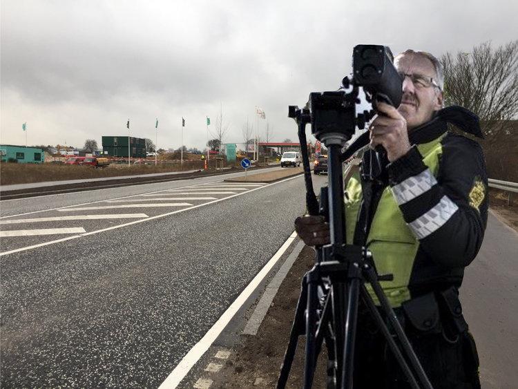 """""""Når vi går ud og advarer, så er det fordi vi har et ønske om at få folk til at overholde fartgrænserne,""""siger pressechef hos Rådet for Sikker Trafik, Søren Ørsted Pedersen. Manipuleret foto:AOB"""