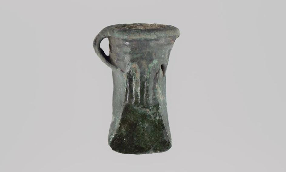 Den velbevarede 3000 år gamle bronzeøkse fundet i Blovstrød. Foto:Museum Nordsjælland