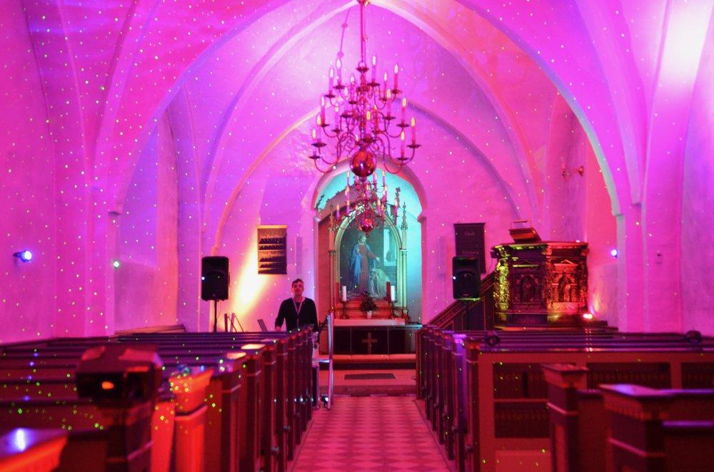 3. spørgsmål: Er det den nye ekstra-belysning, som er installeret i Blovstrød Kirke?