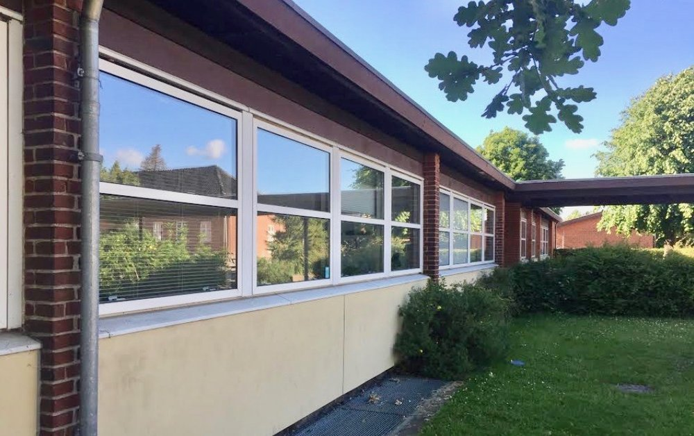 Der er opbrudt et vindue ind til lærernes forberedelseslokale fra skolegården. Foto: AOB