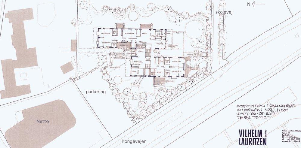 Situationsplan, som viser institution1's placering i forhold til Kongevejen og den nye parkeringsplads ved Netto. Illustration: Vilhelm Lauritzen Arkitekter