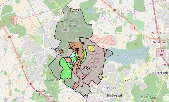 Til beskrivelsen af 'Blovstrød' indgår foruden Blovstrød by, også Høvelte Kaserneområde,Tokkekøb Hegn, landsbyerne Sønderskov og Høvelte samt kommunens eneste sommerhusområde.