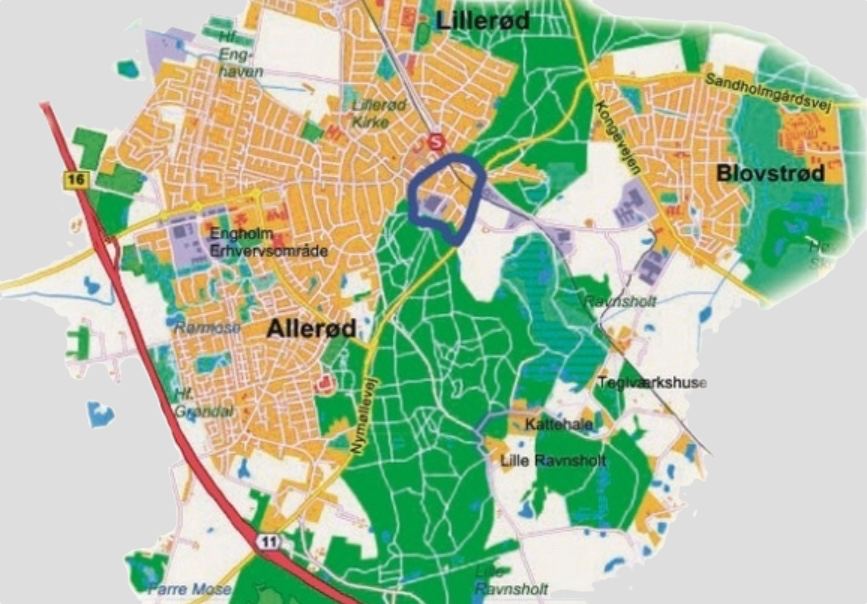 Det er området indenfor den blå markering, der er forslag om at flytte fra Blovstrød til Lillerød Sogn. Grafik: Holst design & projekt