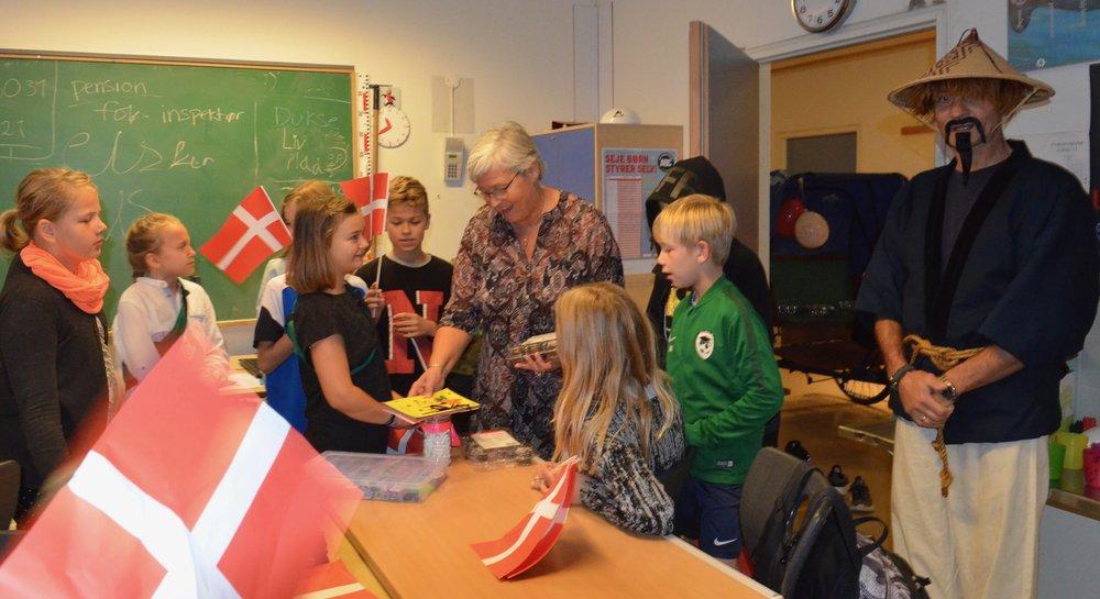 I flere klasser fik Kirsten fine gaver. Foto: AOB