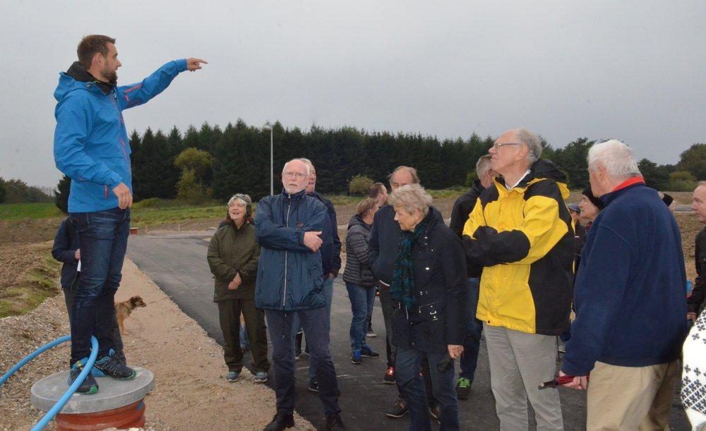 En kommende beboer, Anders Glümer, fortalte bl.a. om sine drømme om familiens kommende hus påGrønningen.Foto:AOB