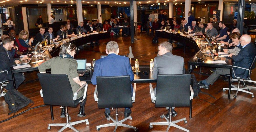 5 byrådsmedlemmer stemte for en ekstrabevilling. I mod stemte 16 medlemmer.Dermed må man således konkludere, at der kun bliver tale om en 'delvis renovering' af Kongevejens 2. etape. Foto: AOB
