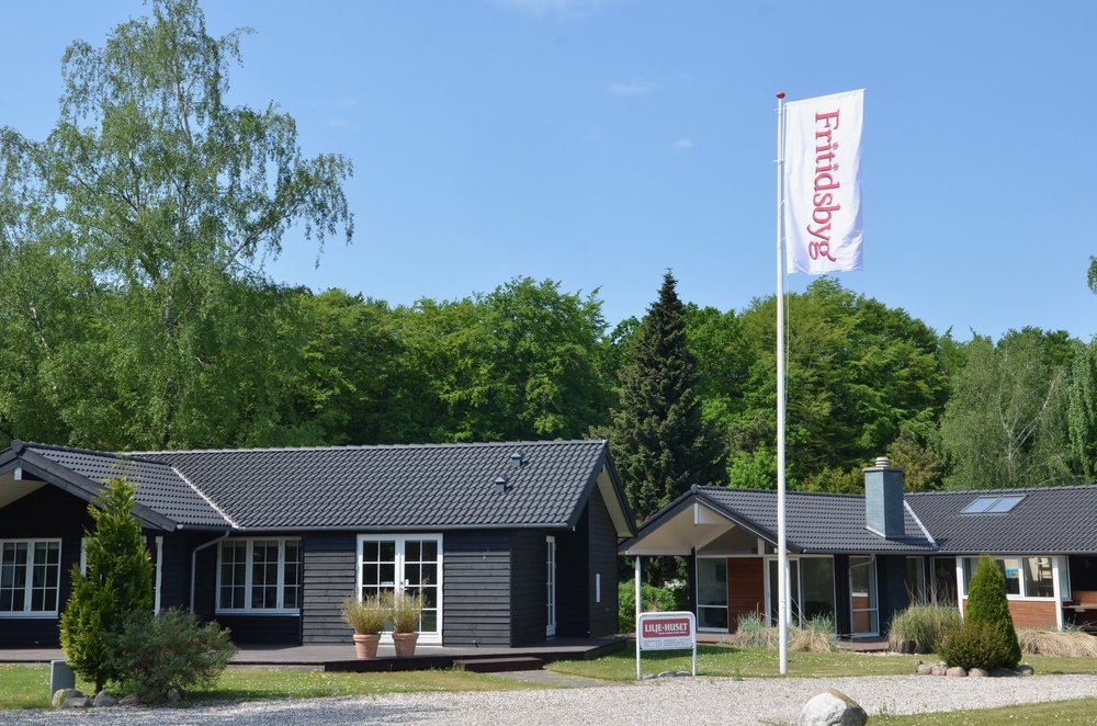 På udstillingsarealet ligger der i alt 15 fritidshuse i vidt forskellige typer og prisklasser. Foto: AOB