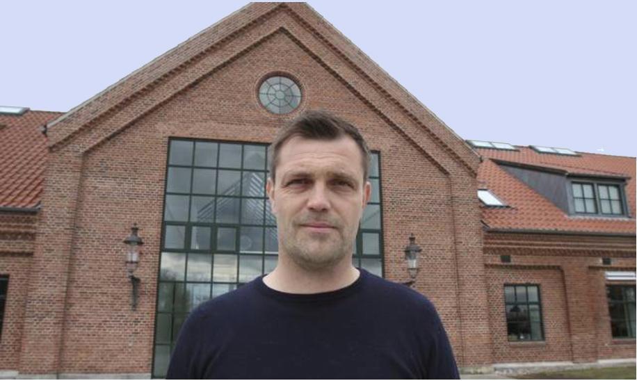 """Skoleleder Mikkel Kofod Løvenhøj: """"Allerød Privatskole er i vækst. Bl.a. er seks nye lærere og pædagoger blevet ansat, og tre nye klasselokaler er på vej."""" Foto: Allerød Privatskole"""