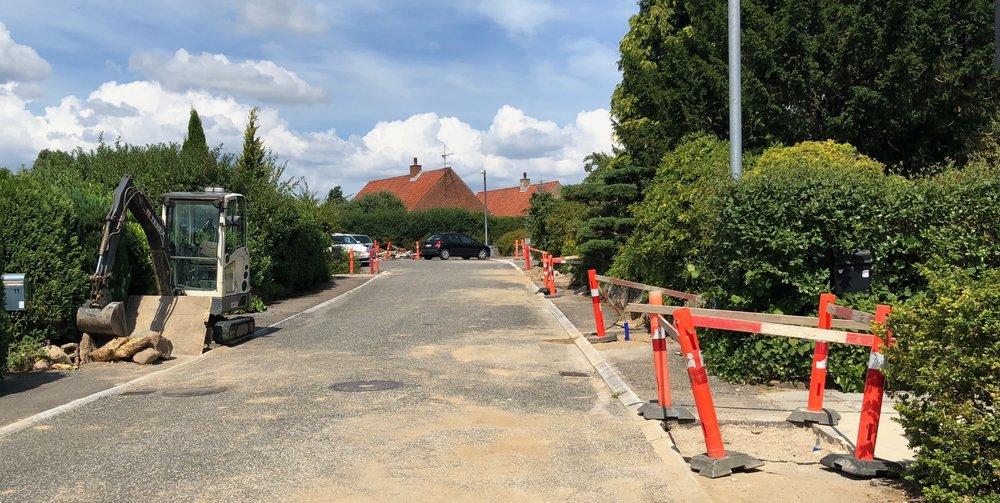 I øjeblikket arbejder man på Drabæksvej og forventer at være færdige her om en lille måneds tid. Foto: AOB