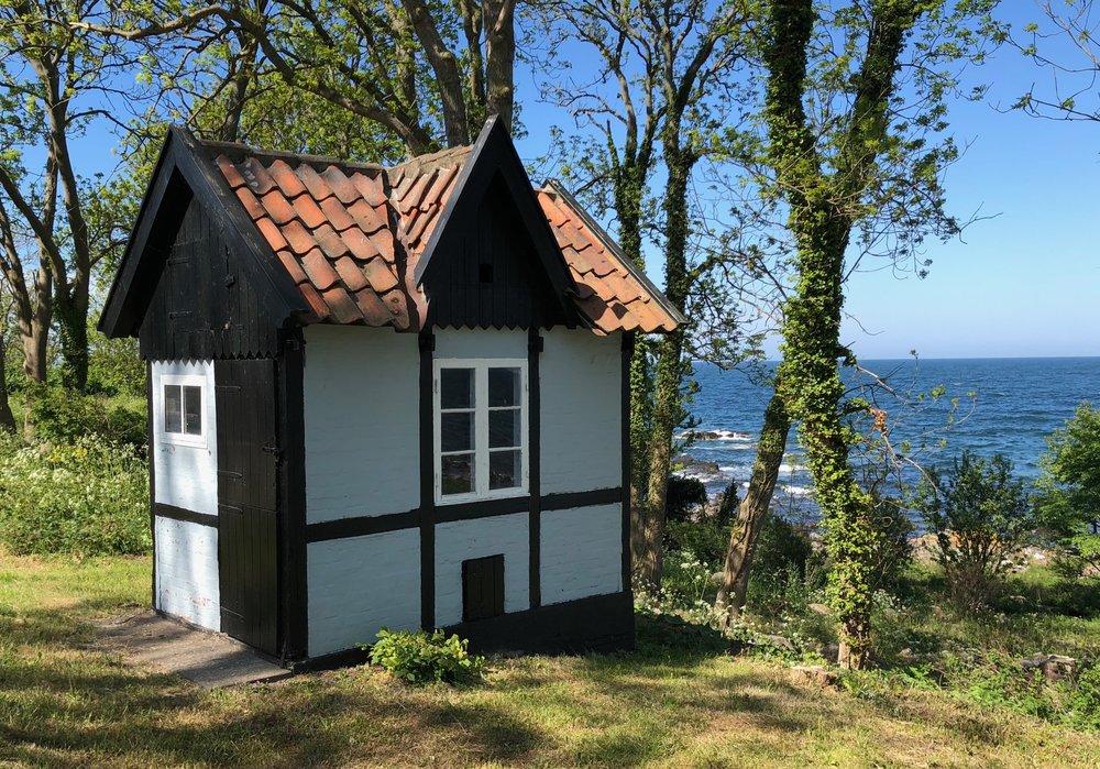 Sikkert Danmarks mindste sommerhus. Foto: AOB