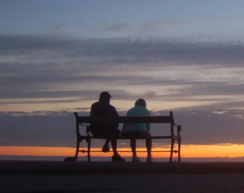 Der kan være mange spørgsmål, hvis man er pårørende til en kronisk syg. Foto: AOB