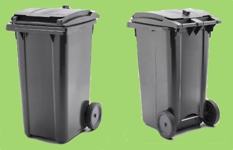 Kommunerne har nu indgået kontrakt med det svenske firma Plastic Omnium AB om levering af bl.a. ovenstående viste  2- kammer-affaldsbeholdere. Det er meningen, at der skal stå 3 beholdere ved hver enkelt parcelhus. Det skal dog bemærkes at ordningen er frivillig.