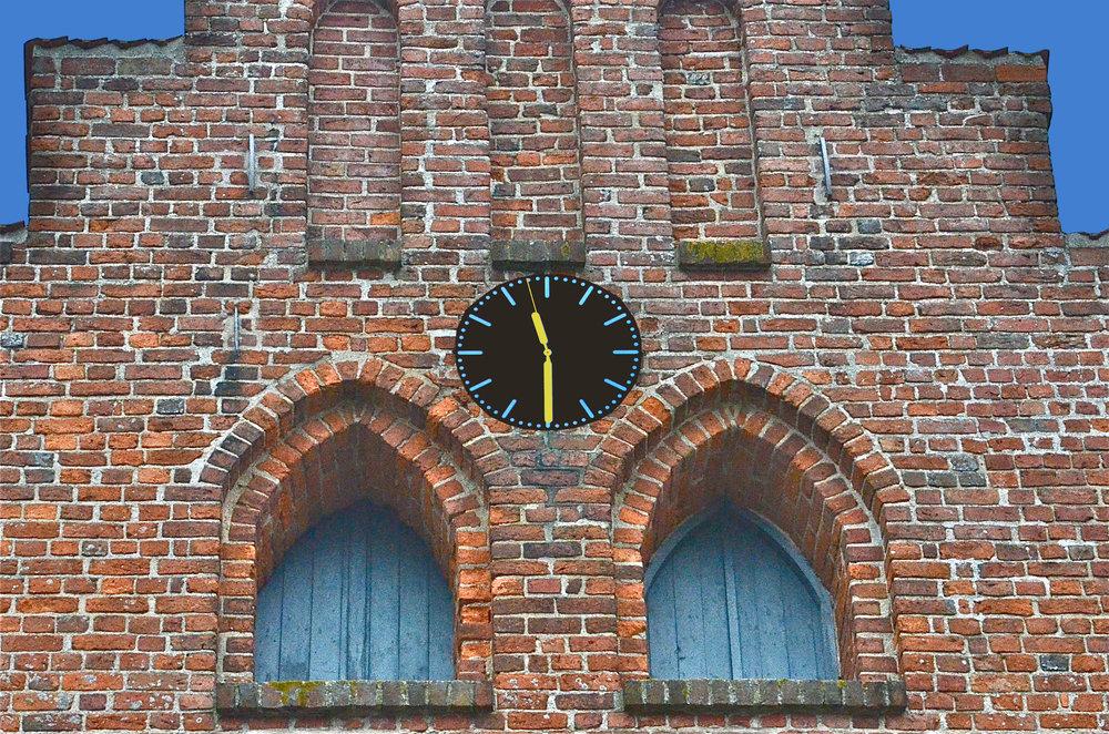 Det nye digitale ur har også sekundviser og skifter automatisk til sommertid. Foto: AOB
