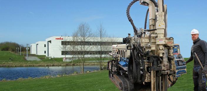 Den nye jordprøvetagnings-maskine har 3,5 ton hammerkraft. Foto: NIRAS