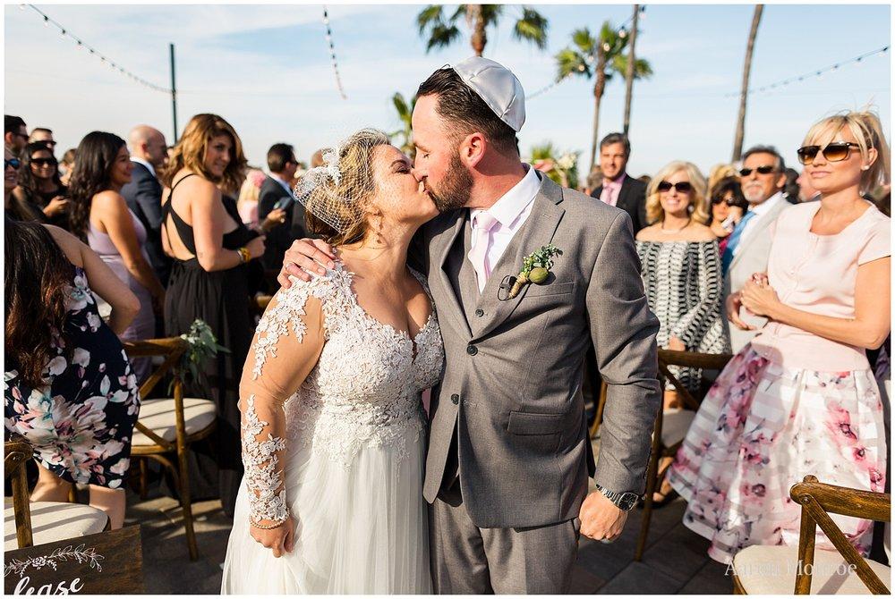 huntington_beach_bay_club_wedding_0255.jpg