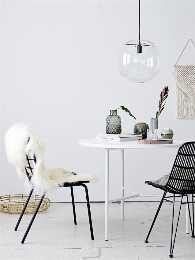 cozy-minimalist-dining