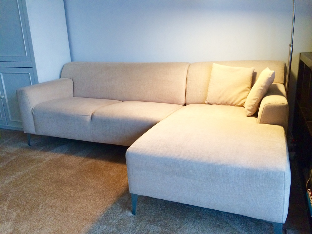 The reborn couch, free from dirt and sustainably rejuvenated!
