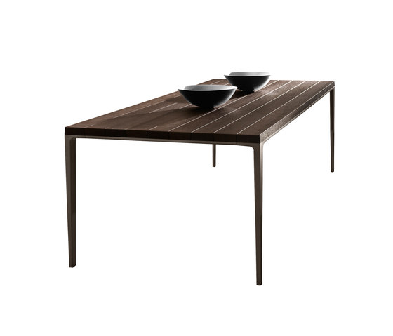 Antares Dining table in Smoked Oak 30% off