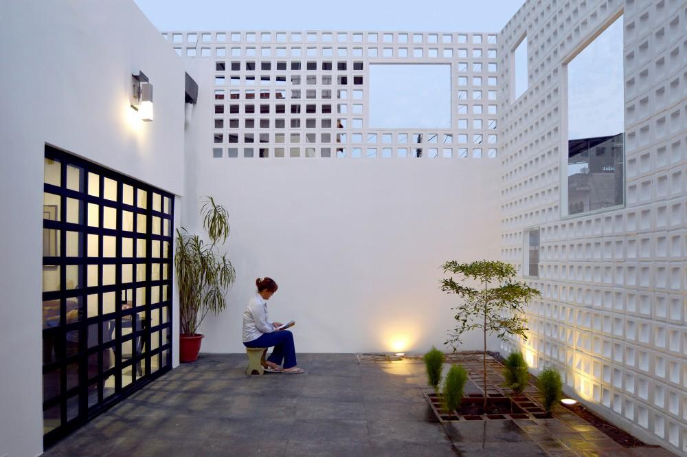 Infinita House  by Natura Futura Arquitectura | © José Gómez Curtesy of ArchDaily