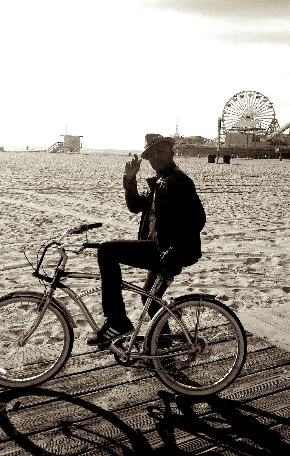 Santa Monica beach cruzin'.jpg
